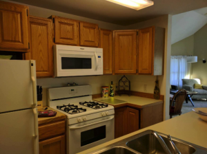 suttons_bay_cabin_rentals_half_moon_kitchen_2