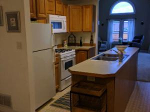 suttons_bay_cabin_rentals_half_moon_kitchen